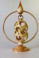 deux sphères agrafées Ø = 65 mm en buis